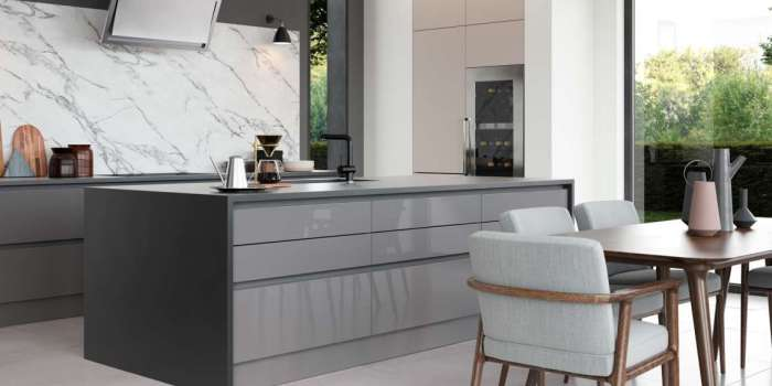 Zola Gloss Handleless (Dust Grey & Cashmere, Featuring Tavola Anthracite)